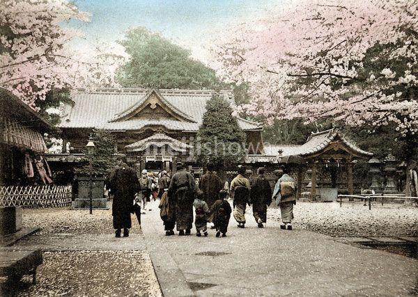 MeijiShowa: 120411-0023 - Ueno Tosho-gu Shrine, Tokyo - Vintage Images of Japan