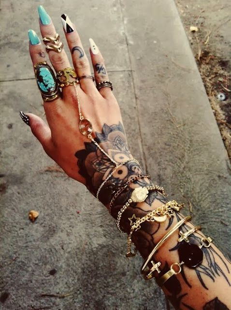The beautiful colors accent the tattoos beautifully! I wish I could pull a combo like that off... yeah, no.
