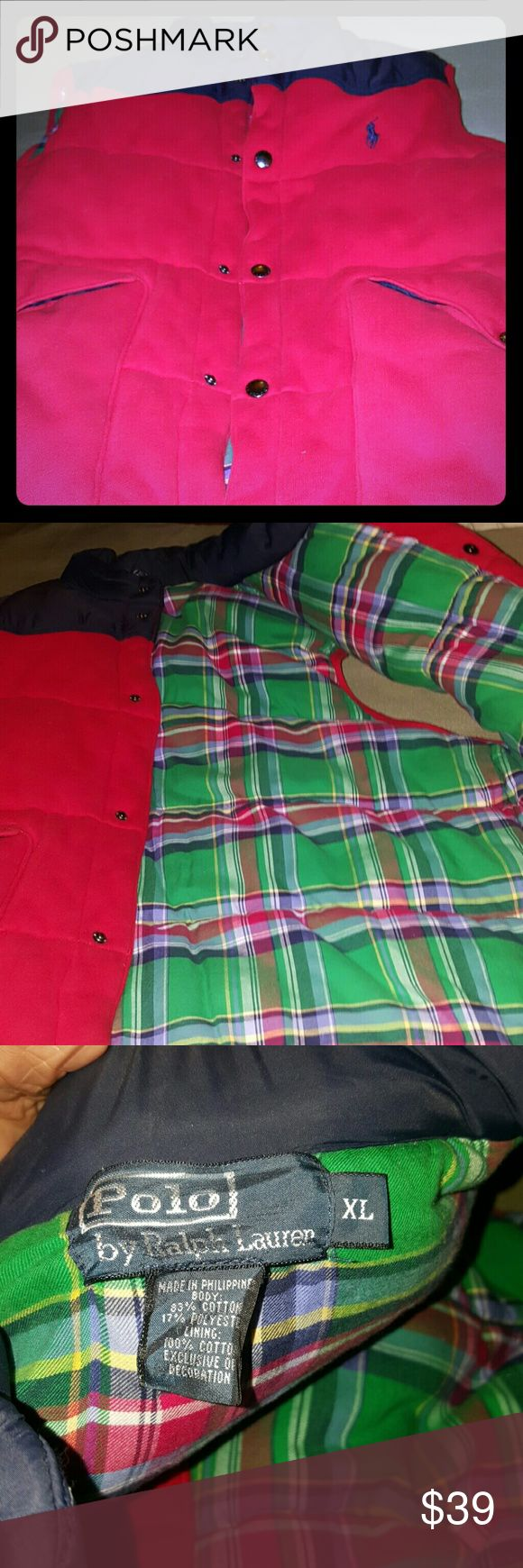 🌟Red and Blue Vest Offers Welcomed 🌟 Quilted Vest six snaps down the front two pockets on the side like new no peeling , smoke and pet free home,  no lint beads purchased at Macy's Ralph Lauren Jackets & Coats Vests