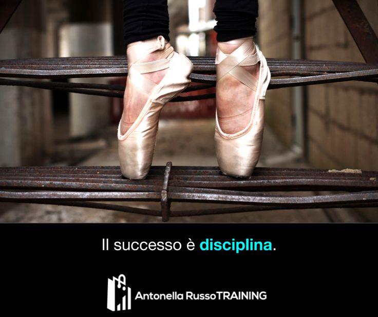 """""""Una delle chiavi più importanti del #successo è avere la #disciplina di fare ciò che si sa che andrebbe fatto, anche se non si ha voglia di farlo."""" – Anonimo    #Citazioni #Buongiorno #Quote"""