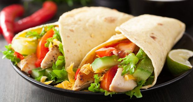 10 receptů z kuřete: Kupte si celé a připravte z něj 3 obědy | Recepty.Blesk.cz