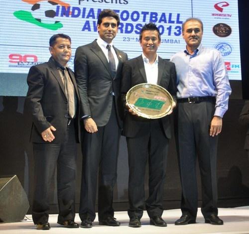 The Indian Football Awards 2013 - Abhishek Bachchan, Dino Morea, Baichung Bhutia, Amrita Raichand