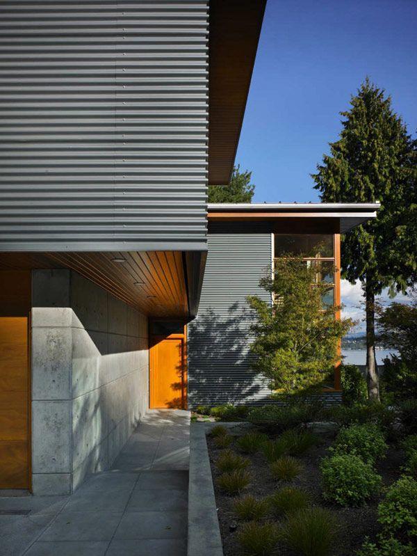 Modern Nature Retreat Overlooking Lake Washington: Leschi Reisdence