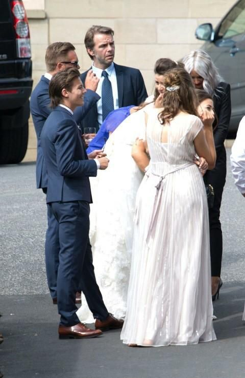 at Johannah and Dan's wedding 20.07.2014 | Louis Tomlinson ...