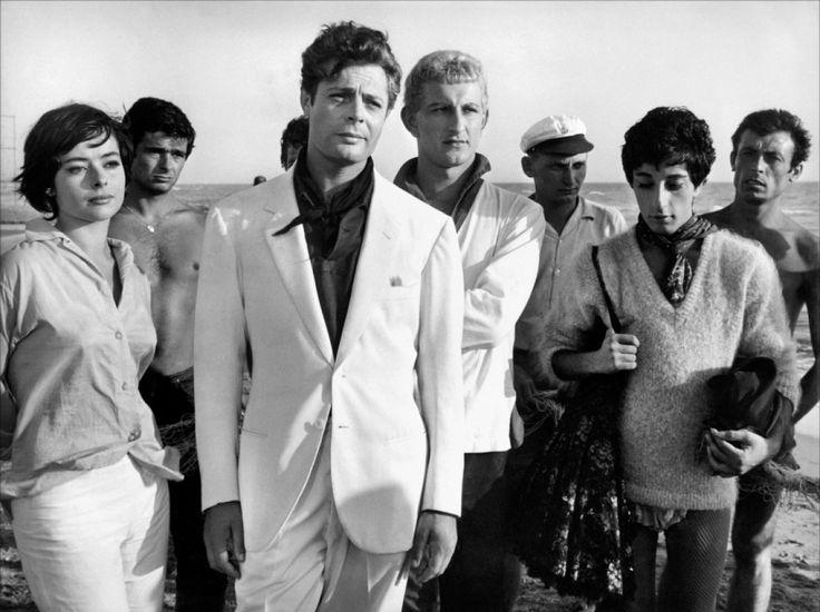 """Marcello Mastroianni in """"La Dolce Vita"""" 1960 Federico Fellini"""