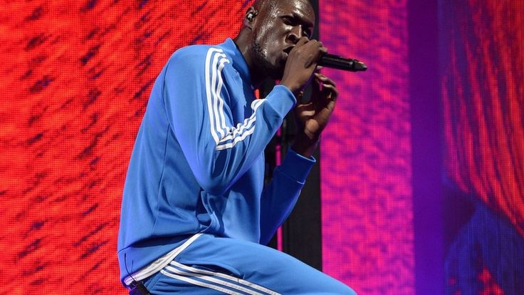 Media playback is unsupported on your device  Media captionCelebrities mark bullied boy's birthdayA host of celebrities, including British grime and hip hop artist Stormzy, have sent birthday greetings to a young boy who is being bullied.Chris Hope-Smith, from Leeds, posted on Twitter asking if people could send positive messages to his son, Ollie.   #Entertainment;Art