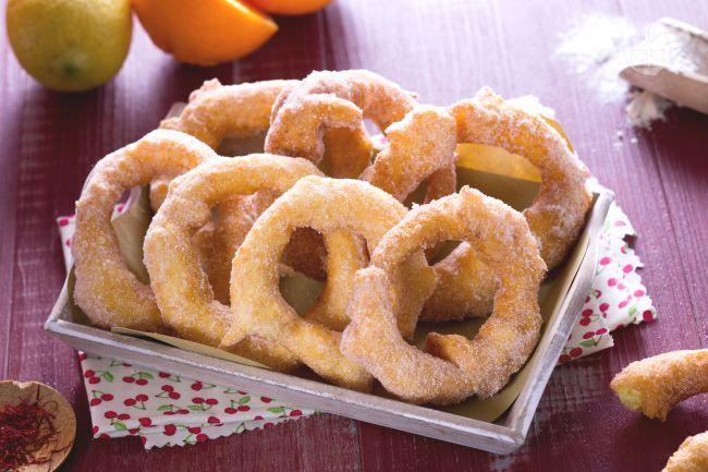 Le zeppole sarde o zippulas sono dei tipici dolci di Carnevale che si preparano in Sardegna, si tratta di frittelle dolci aromatizzate allo zafferano.
