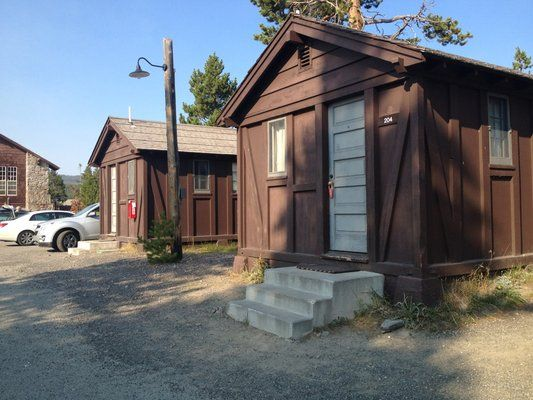 17 best images about old faithful inn yellowstone on for Jackson hole wyoming honeymoon cabins
