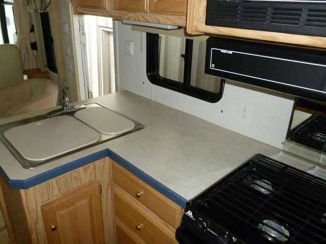 2002 Used Holiday Rambler Admiral 35SFD Class A in Oregon OR.Recreational Vehicle, rv, 2002 Holiday Rambler Admiral 35SFD, I have a 2002 Holiday Rambler, 35 ft. Admiral with 2 huge slide outs, living room and bedroom. It has the Ford chassis with the V-10 engine with the Banks System,which includes air intake, bigger exhaust and I also added the transmission module they call the Auto Minder. Runs excellent and only has 28,048 miles on it. Using Mobil 1 Synthetic Oil in it for the past 2…