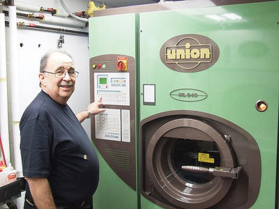 Neat Dry Cleaners in Oakville, Ontario Brings Green Change