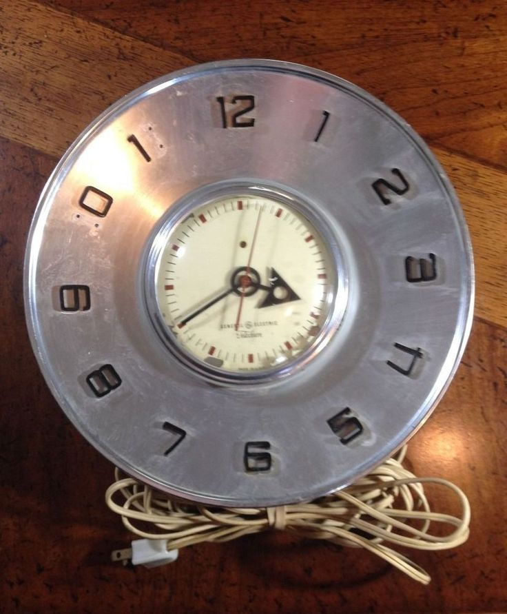 Vintage General Electric Telechron Wall Clock Model 2h101