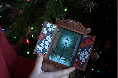 Best Christmas Card ever! http://www.ukcraftblog.com/2011/12/most-amazing-handmade-christmas-card.html