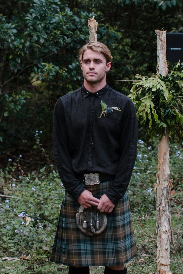 Rebecca Riley S Earthy Byron Bay Wedding Nouba Com Au Wedding Outfit Men Kilt Wedding Scottish Wedding Traditions [ 1103 x 736 Pixel ]