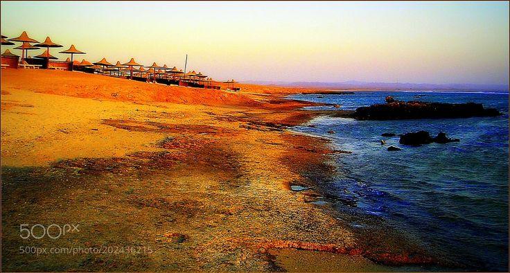 Popular on 500px : Bel tramonto sulla spiaggia e mare dEgitto. by gianluigibonomini