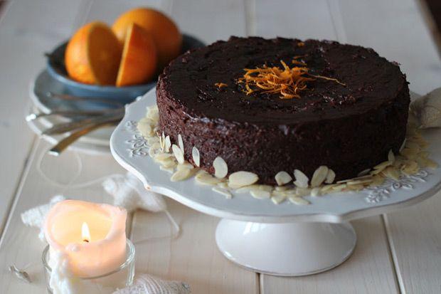 #torta  al #cioccolato  fondente, #arance e #mandorle || #Cirio, gusta la nostra #ricetta. #chocolate #orange #almond #dessert #recipe