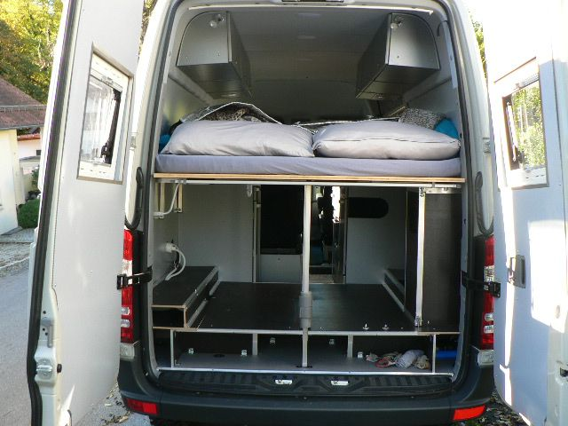 Rear View Of The Bed And Storage In Tom Zwilling S Mercedes Sprinter 316cdi Camper Van From The German Sprinter Forum Camper Camper Van Sprinter Camper