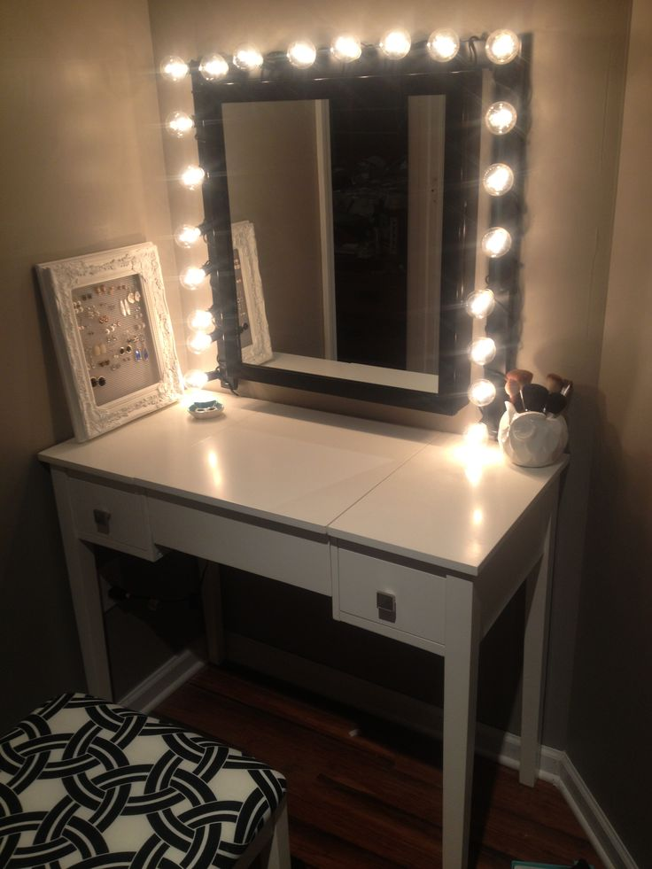 17 best images about home on pinterest tumblr room - Bedroom vanity mirror with lights ...