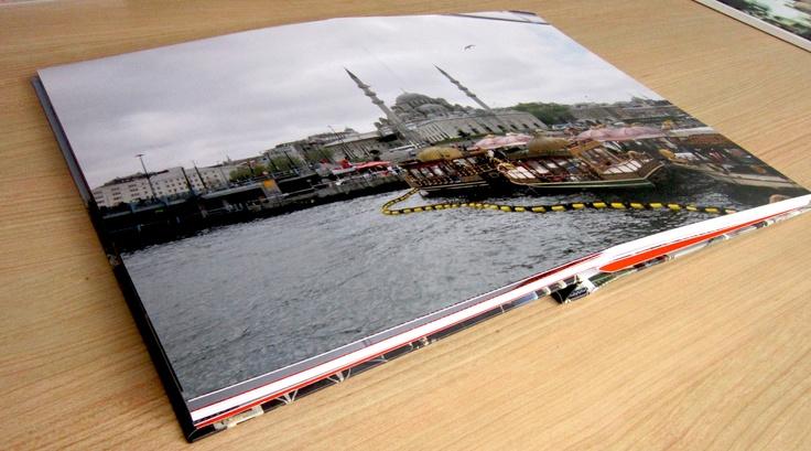 La Rivera de un río.   No pierdas ningún detalle de tus fotos. Álbumes de fotos Wiiskii Premium con apertura de 180°