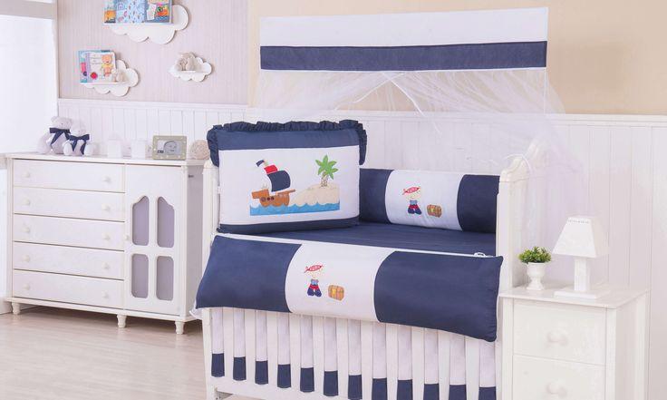 Com o Kit Berço Pirata Azul Marinho, o quarto de bebê com tema náutico ganha uma nova cara! Esse kit cheio de mimos é perfeito para o seu bebê!