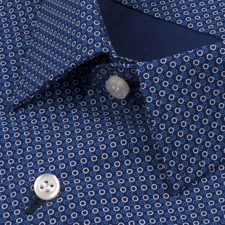 Gautier - Délicat motif à pois. Chemise 100 % coton. Motifs circulaires bleus et blancs. La Chemise Française