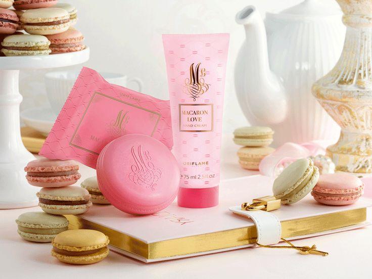 Love is in the air!From family and friends to that special person in your life, show all your love with Oriflame products.      Not everyone present has to mark a special occasion;sometimes it's good to offer a gift just because it does.