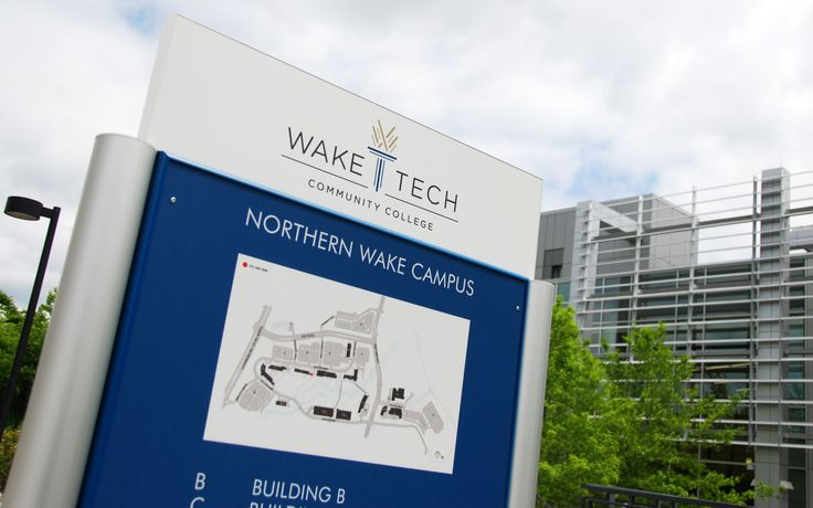 Project Spotlight: Wake Tech Community College, Raleigh, NC Designed by HH Architecture.  Products:  SignBar/Panel & SignPoint