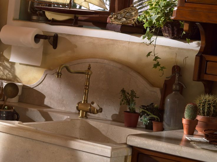 Marchi Group - Valenzuela Classic kitchen in varnished wood - country kitchen - Classic Kitchen with peninsula