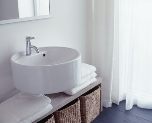 Schön Getaucht In Farben: Weiße Farbe Im Badezimmer