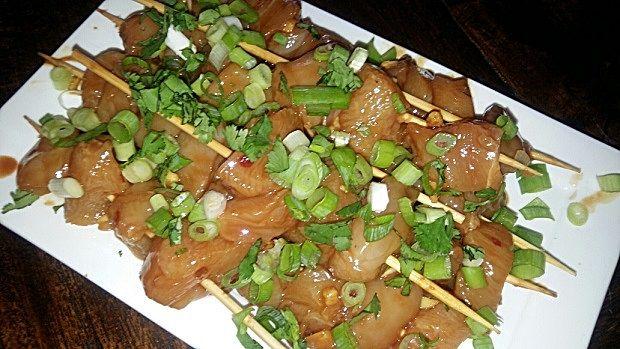 Kip saté met pindasaus. Lekker koken in je eigen keuken ! www.bonappetit-someren.nl