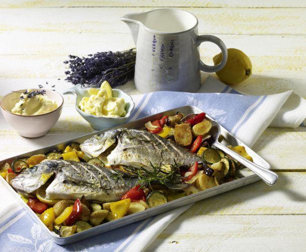 Unser beliebtes Rezept für Dorade auf mediterranem Gemüse und mehr als 55.000 weitere kostenlose Rezepte auf LECKER.de.