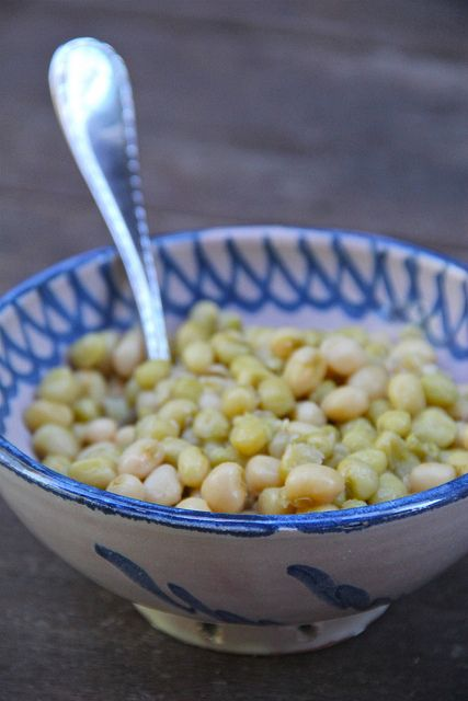 Zipper Peas, Carolina Rice, Cornbread and a sliced tomato. What could be better? #Yum