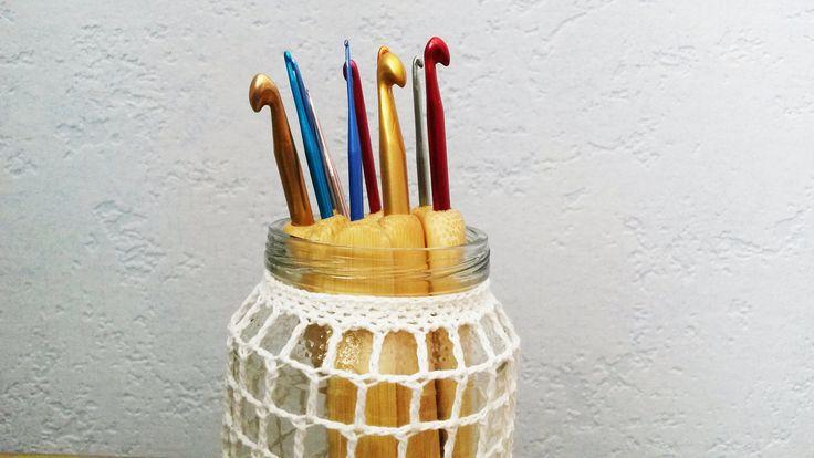 Sada háčků (10 ks) Sada háčků (aluminium s bambusovou rukojetí) pro pohodlné držení. Velikosti háčků: 1 cm, 1,25 cm, 1,5 cm, 1,75 cm, 2 cm, 2,5 cm, 3 cm, 4 cm, 5 cm, 6 cm. Cena za sadu 10 ks.