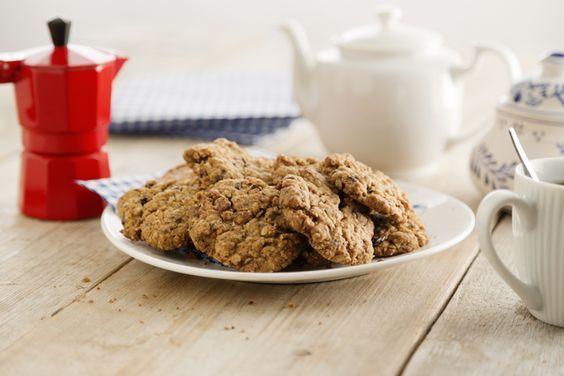 Meng eens stukjes chocolade door het Havermout koekjesdeeg. Erg lekker!