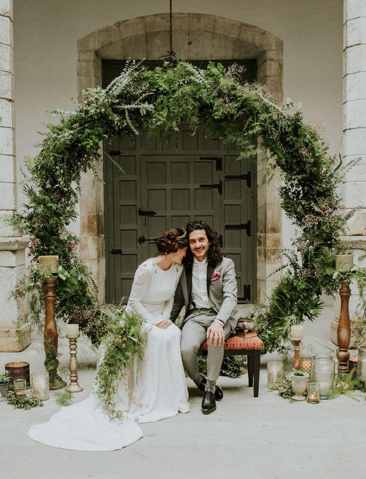 greenery wreath backdrop // spanish elopement