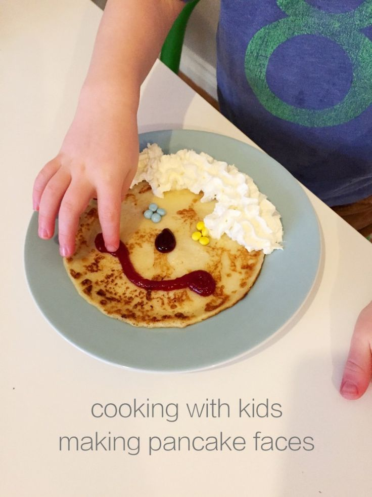 Cooking with kids - making pancake faces  | Daisies & Pie