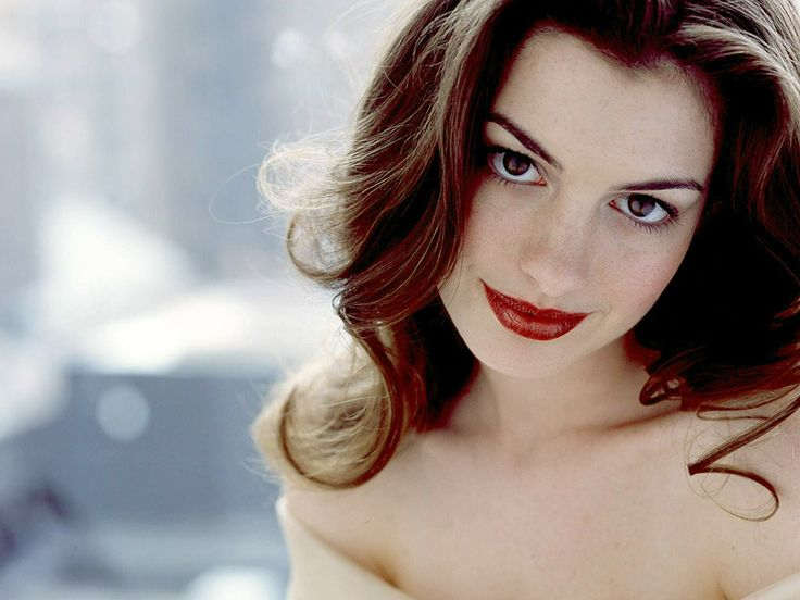 anne hathaway. you are so darn pretty and you are such a cute actor. I love the way to are clumsy in films. it's adorable.