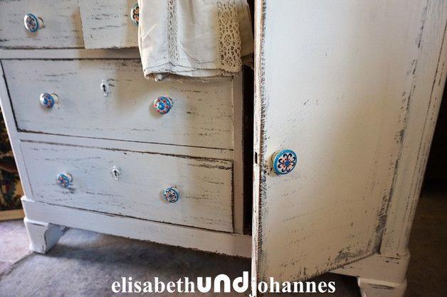 Vintage Dressers – stijlvolle Franse kast commode shabby chic wit – a unique product by elisabethUNDjohannes on DaWanda