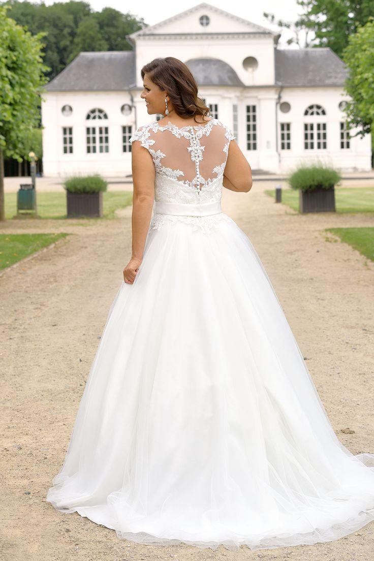 best curvy bridesplus size images on pinterest wedding