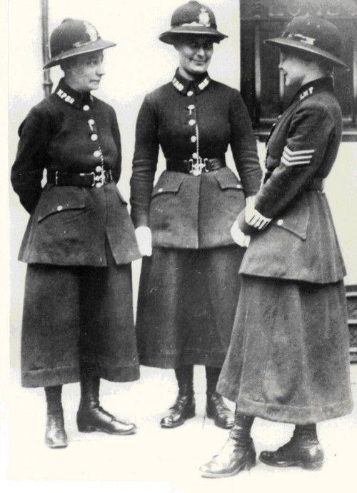 London police women, 1919