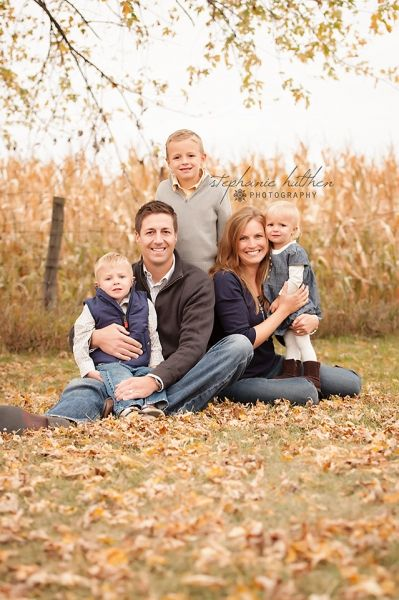 family pose | illinois family photography | www.StephanieHulthenPhotography.com