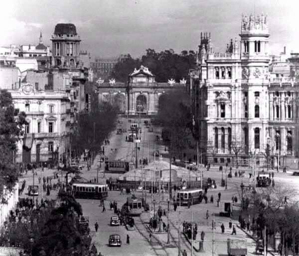 Cibeles y puerta de Alcalá, Madrid en 1937