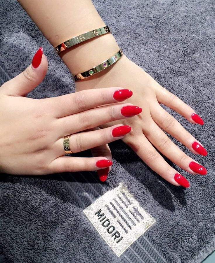 Really red nails by Midori
