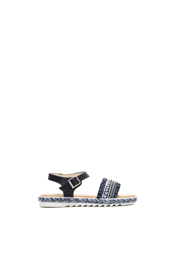 Comanda online, Sandale cu aplicatii cu margele albastru-inchis accesorizata cu o catarama metalica. Articole masurate, calitate garantata!