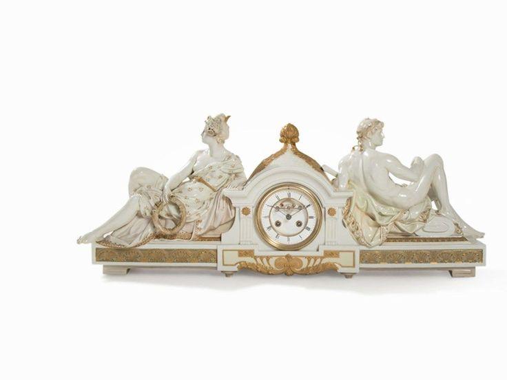 Seltene KPM Porzellan-Pracht-Kaminuhr, Alexander Kips, um 1900 Porzellan, weiß glasiert, polychro