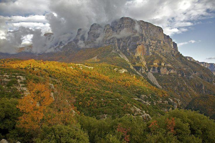 GREECE CHANNEL   zagoria scape in autumn
