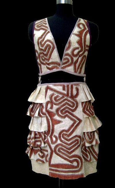 Elsie Roroipe Oro tapa outfit