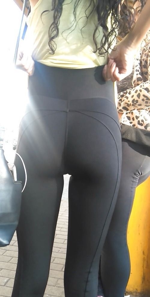 Teen College Girls In Black Candid Yoga Pants | Tight ...