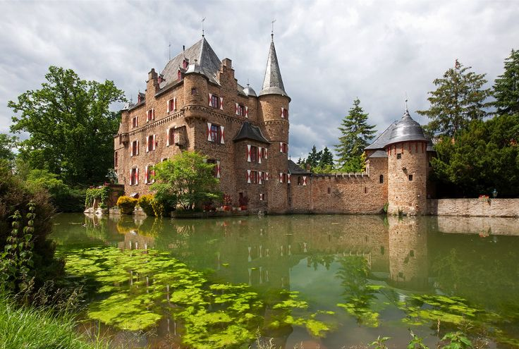 Eifel Germany castles   Lessenich (Mechernich) by holland fotograaf in Eifel, Lessenich ...