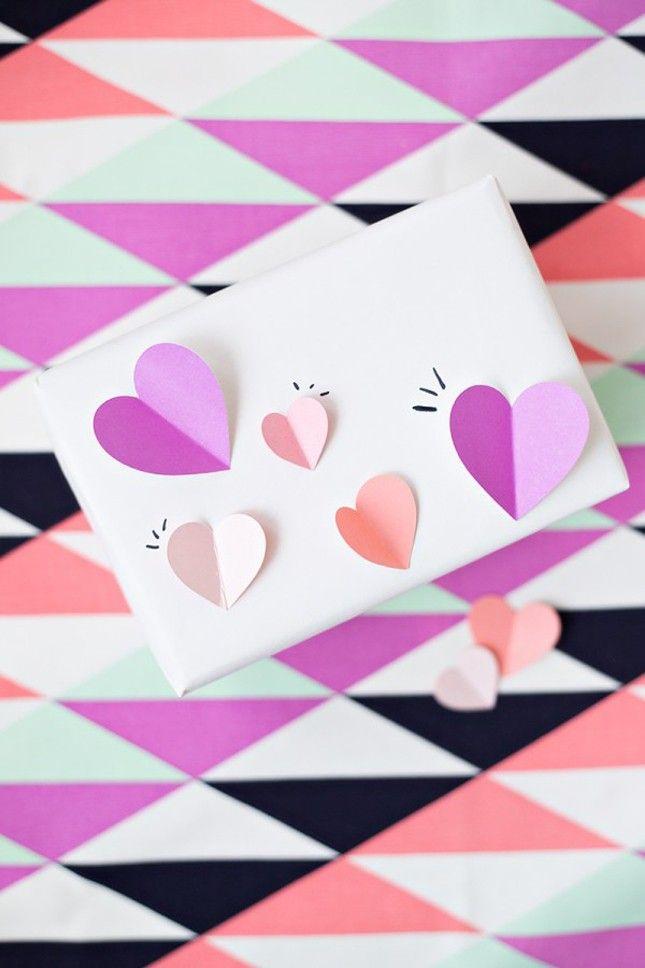 DIY-3D-Heart-Gift-Wrap
