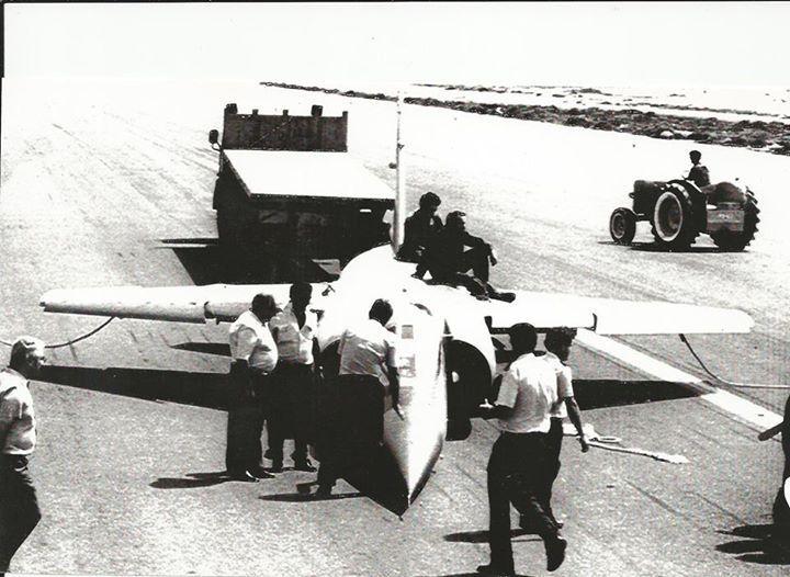 Este avión tomó tierra sin tren de aterrizaje en 1982